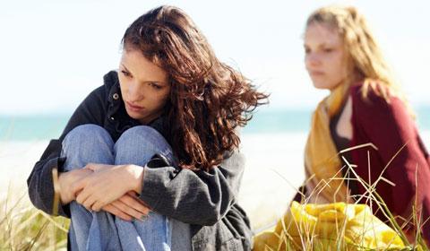 در صورتی که نوجوان تنها به پزشک خود اعتماد کند آیا شما میتوانید از اعتیاد اطلاع پیدا کنید؟