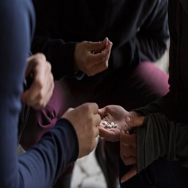 علت اعتیاد و افزایش گرایش به مواد مخدر در سنین مختلف و میان زنان