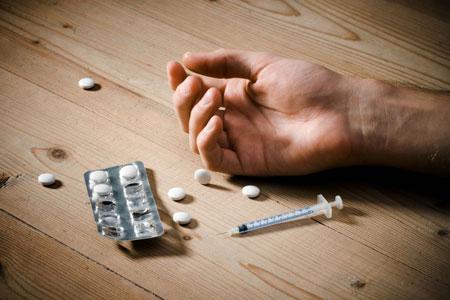 چه-افرادی-بیشتر-در-معرض-ریسک-اعتیاد-به-مواد-مخدر-قرار-دارند