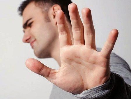 چگونه میتوان بر انکار اعتیاد غلبه کرد؟